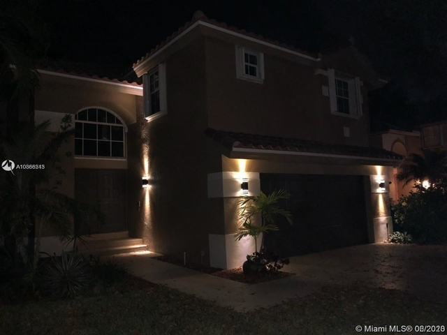 4 Bedrooms, Embassy Lakes Rental in Miami, FL for $3,100 - Photo 1