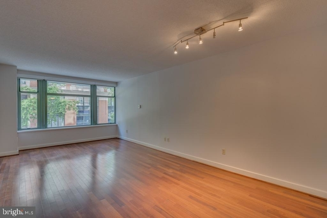1 Bedroom, Downtown - Penn Quarter - Chinatown Rental in Washington, DC for $2,400 - Photo 2