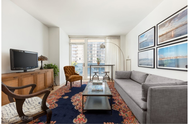 1 Bedroom, Williamsburg Rental in NYC for $3,800 - Photo 2