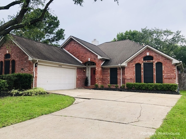 3 Bedrooms, Bay Knoll Rental in Houston for $1,895 - Photo 2