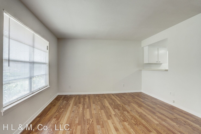 2 Bedrooms, Mandell Place Rental in Houston for $1,295 - Photo 2