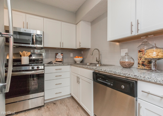 2 Bedrooms, Spring Branch West Rental in Houston for $1,350 - Photo 2