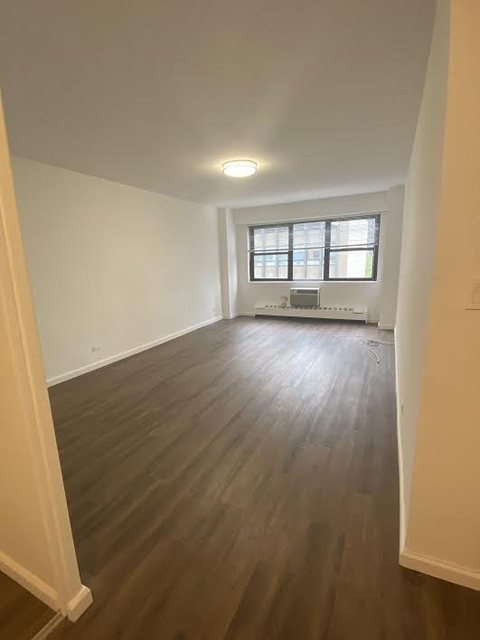 Studio, Turtle Bay Rental in NYC for $2,848 - Photo 2