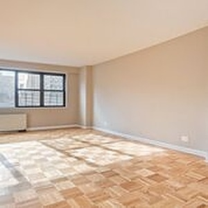 3 Bedrooms, Yorkville Rental in NYC for $7,425 - Photo 2