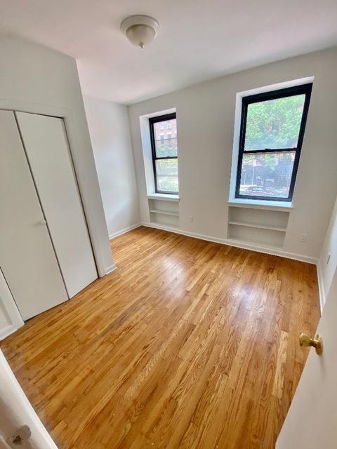 4 Bedrooms, Yorkville Rental in NYC for $5,990 - Photo 2