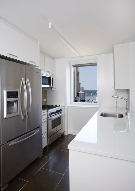2 Bedrooms, Upper West Side Rental in NYC for $7,380 - Photo 2