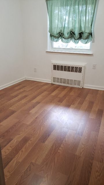 3 Bedrooms, Mill Basin Rental in NYC for $2,200 - Photo 2