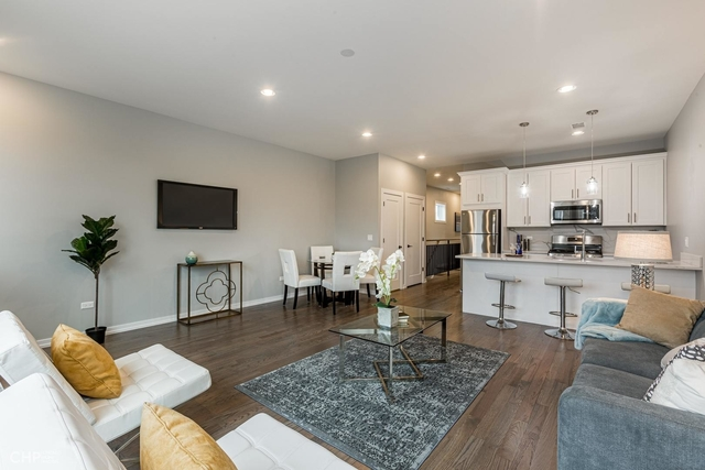 2 Bedrooms, North Kenwood Rental in Chicago, IL for $2,000 - Photo 2