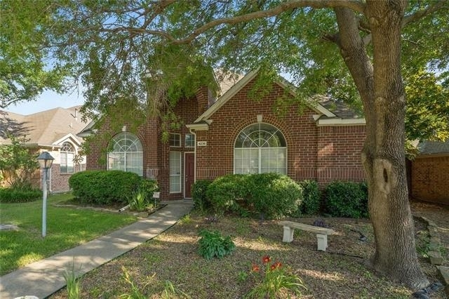 3 Bedrooms, Highlands Parkway Rental in Dallas for $2,295 - Photo 2