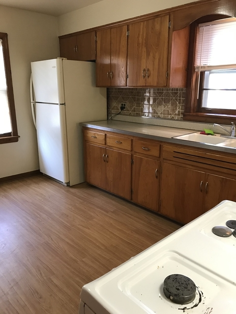 3 Bedrooms, Budlong Woods Rental in Chicago, IL for $1,600 - Photo 2