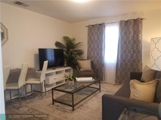 1 Bedroom, Royal Poinciana Rental in Miami, FL for $1,500 - Photo 1