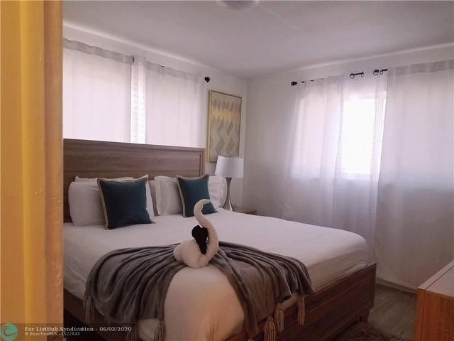 1 Bedroom, Royal Poinciana Rental in Miami, FL for $1,500 - Photo 2