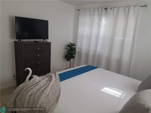 1 Bedroom, Royal Poinciana Rental in Miami, FL for $1,550 - Photo 2