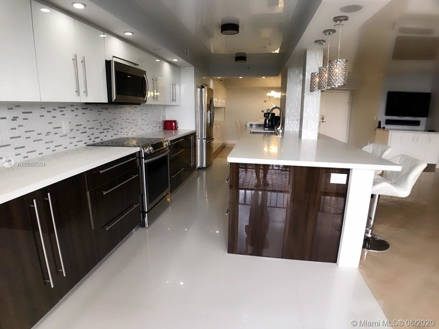 2 Bedrooms, Winston Towers Rental in Miami, FL for $3,295 - Photo 2