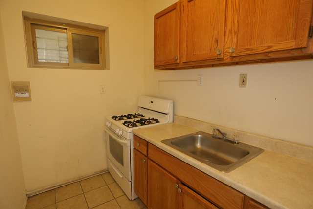 1 Bedroom, Magnolia Glen Rental in Chicago, IL for $1,000 - Photo 2