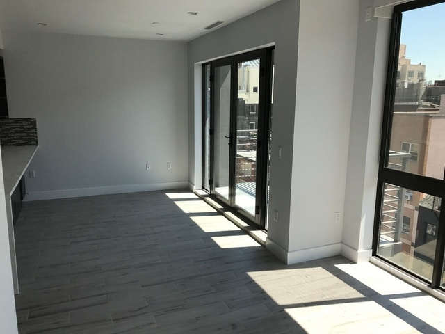 1 Bedroom, Lower East Side Rental in NYC for $5,495 - Photo 2