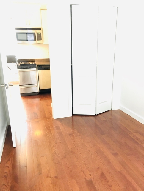 Studio, Hell's Kitchen Rental in NYC for $1,626 - Photo 2