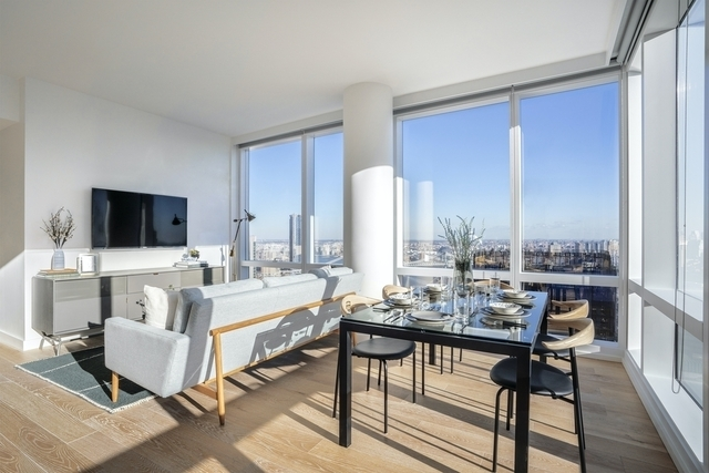 2 Bedrooms, Financial District Rental in NYC for $5,645 - Photo 2