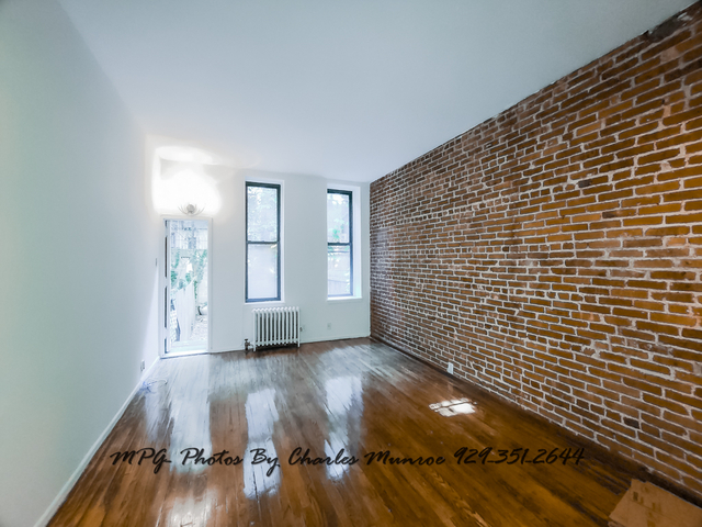 1 Bedroom, Yorkville Rental in NYC for $2,245 - Photo 2