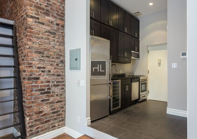 3 Bedrooms, West Village Rental in NYC for $6,495 - Photo 2