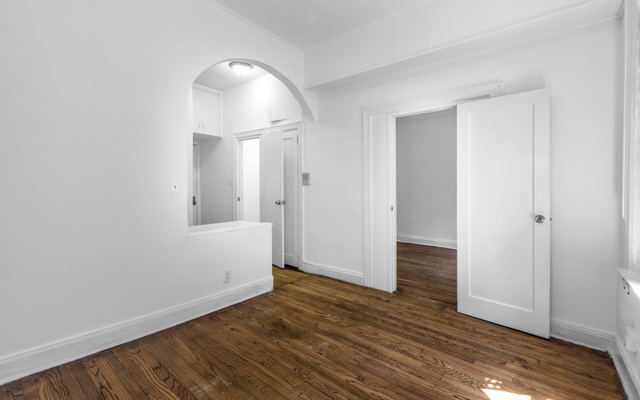 2 Bedrooms, West Village Rental in NYC for $2,995 - Photo 2