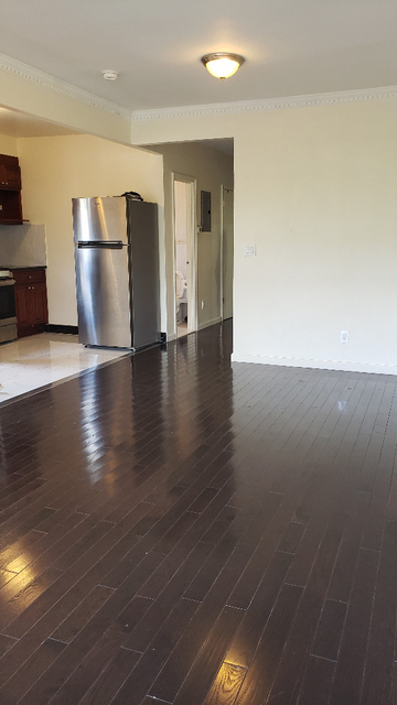 3 Bedrooms, Bay Ridge Rental in NYC for $2,350 - Photo 1