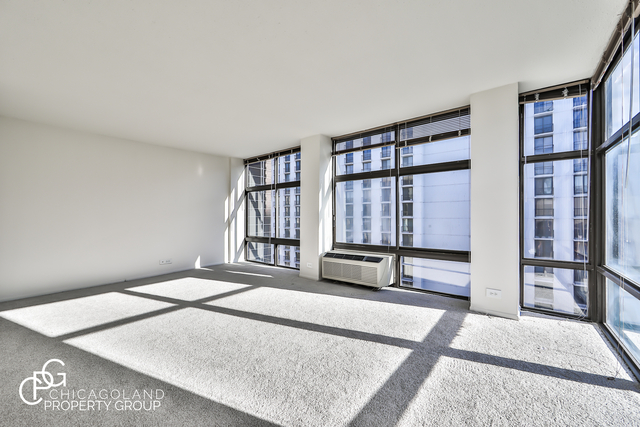 2 Bedrooms, Gold Coast Rental in Chicago, IL for $2,520 - Photo 2