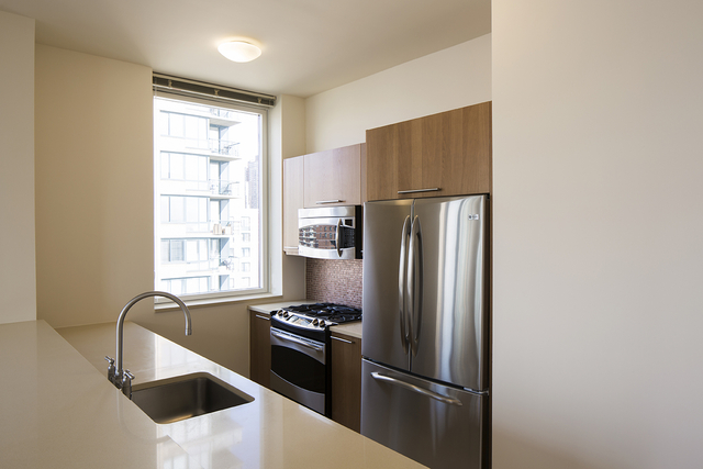2 Bedrooms, Lincoln Square Rental in NYC for $7,215 - Photo 1