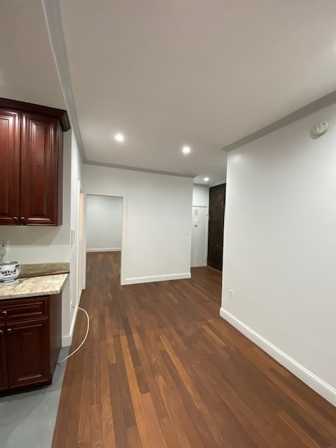 2 Bedrooms, Alphabet City Rental in NYC for $3,650 - Photo 2