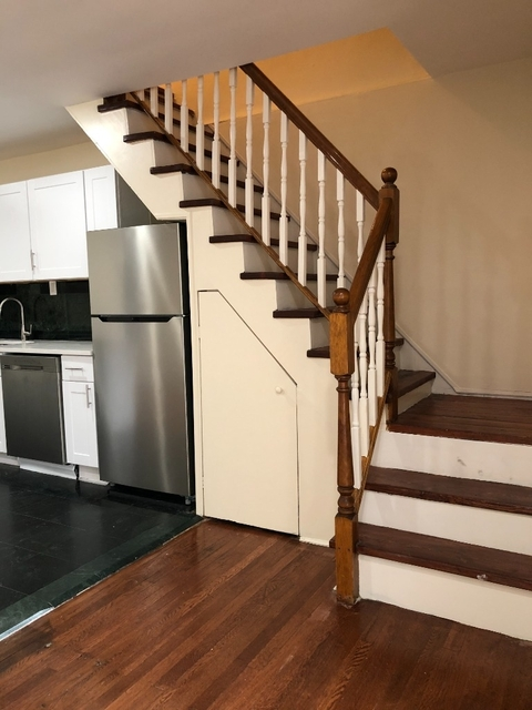 3 Bedrooms, Ditmars Rental in NYC for $3,850 - Photo 2