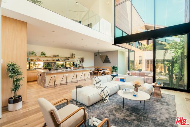 4 Bedrooms, Oakwood Rental in Los Angeles, CA for $19,500 - Photo 2