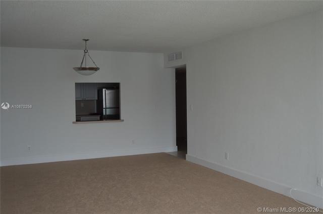1 Bedroom, Golden Shores Ocean Boulevard Estates Rental in Miami, FL for $2,050 - Photo 2
