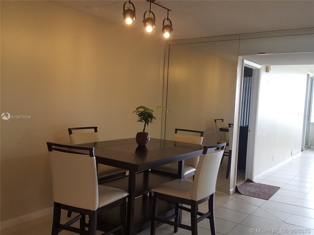 1 Bedroom, Country Club Apartments at Bonaventure Rental in Miami, FL for $1,450 - Photo 2