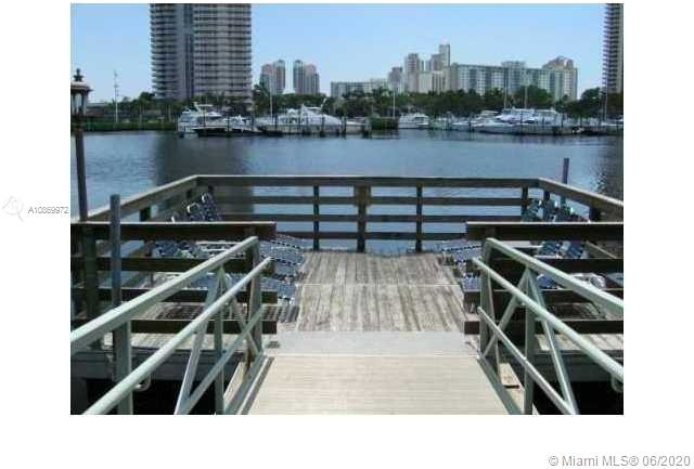 2 Bedrooms, Biscayne Yacht & Country Club Rental in Miami, FL for $2,000 - Photo 2