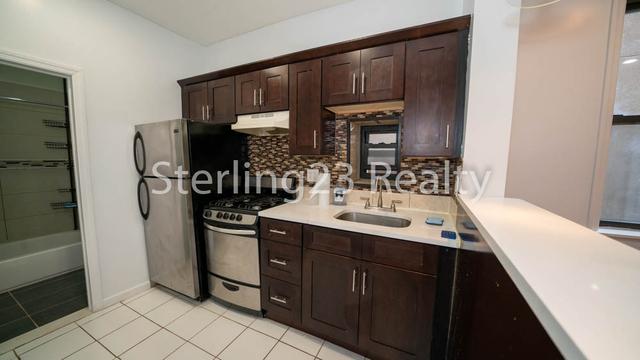 2 Bedrooms, Astoria Heights Rental in NYC for $2,020 - Photo 2