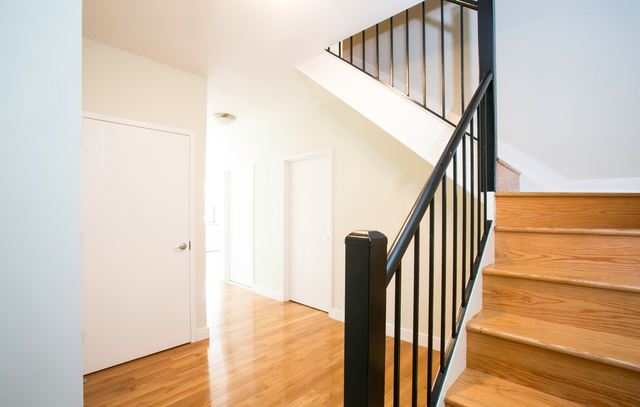 3 Bedrooms, Upper East Side Rental in NYC for $6,168 - Photo 2