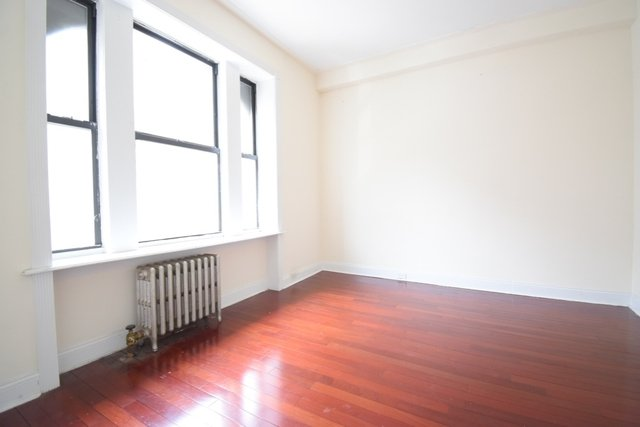 2 Bedrooms, Hamilton Heights Rental in NYC for $2,725 - Photo 2