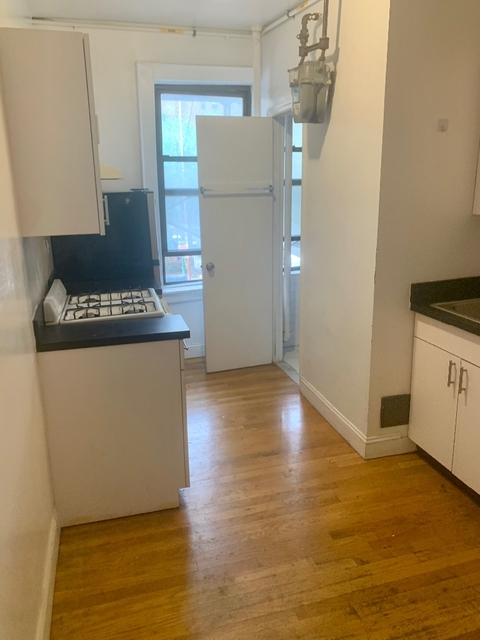 2 Bedrooms, Alphabet City Rental in NYC for $3,125 - Photo 2