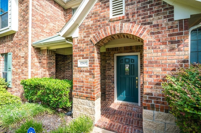 2 Bedrooms, Green Trails Crossing Rental in Houston for $1,700 - Photo 2