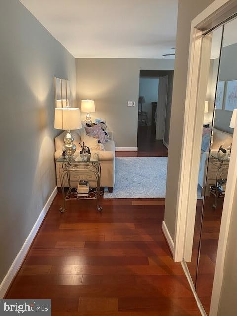 2 Bedrooms, Bethesda Rental in Washington, DC for $2,200 - Photo 2