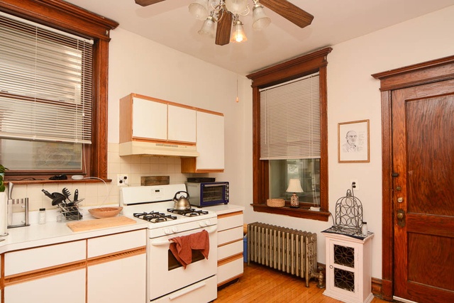 2 Bedrooms, North Center Rental in Chicago, IL for $1,650 - Photo 2