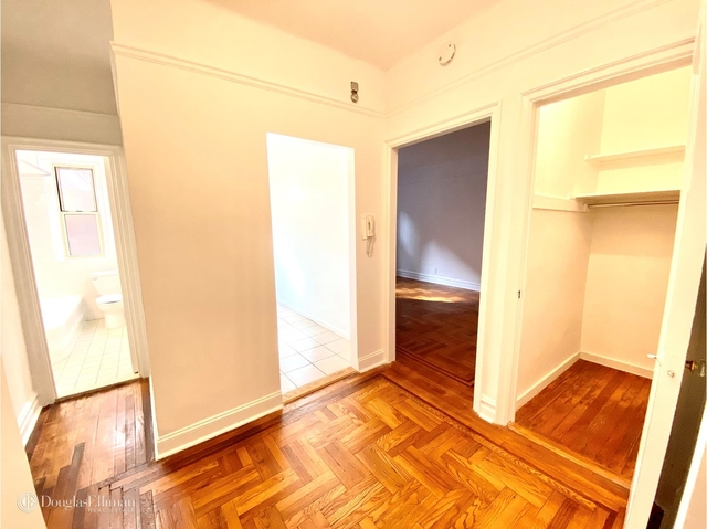 Studio, Lincoln Square Rental in NYC for $1,891 - Photo 2