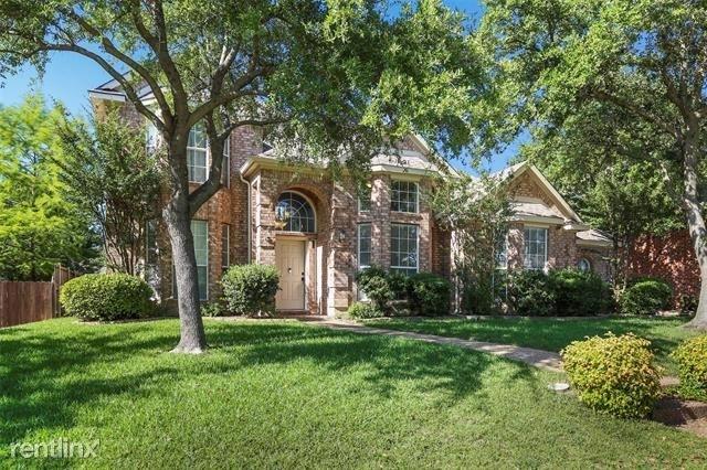 4 Bedrooms, Hillside Rental in Dallas for $2,660 - Photo 2