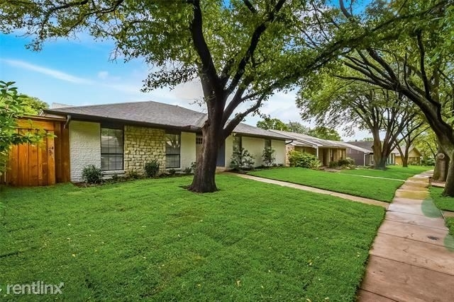 3 Bedrooms, Highland Meadows Rental in Dallas for $2,880 - Photo 2