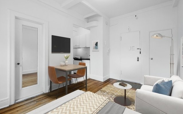Studio, Lincoln Square Rental in NYC for $2,250 - Photo 2