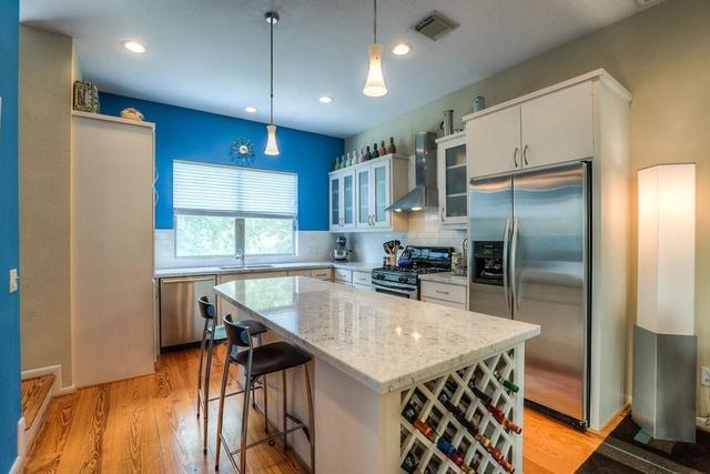3 Bedrooms, Magnolia Grove Rental in Houston for $2,650 - Photo 2