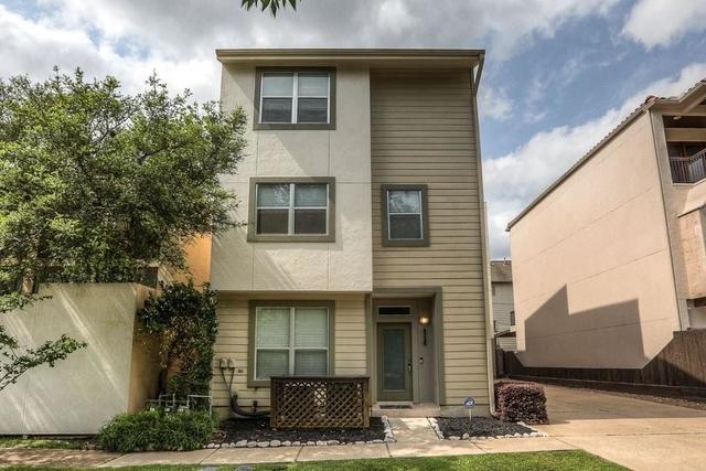 3 Bedrooms, Magnolia Grove Rental in Houston for $2,650 - Photo 1