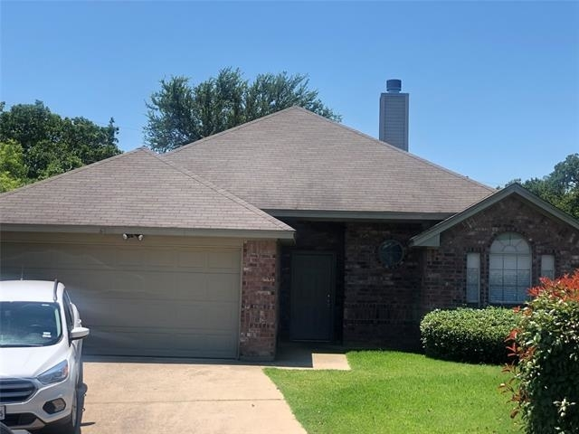3 Bedrooms, Hillcraft Rental in Dallas for $1,800 - Photo 2