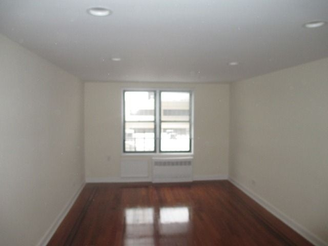 1 Bedroom, Sunnyside Rental in NYC for $2,195 - Photo 2
