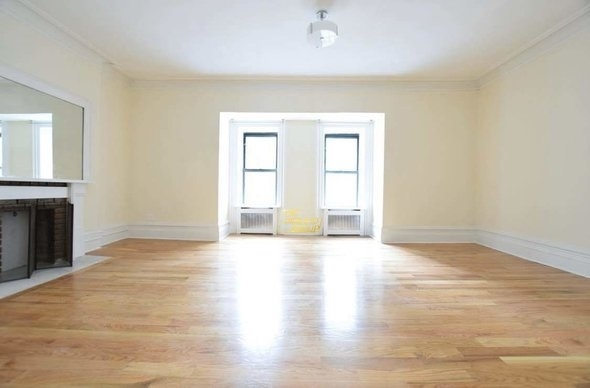 2 Bedrooms, Upper West Side Rental in NYC for $6,400 - Photo 2
